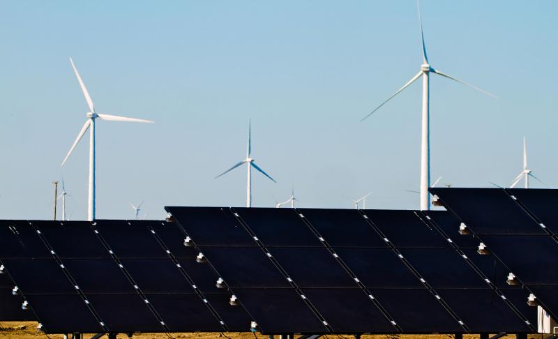 DPR Minta BUMN Energi Prioritaskan Energi Terbarukan Berbahan Lokal