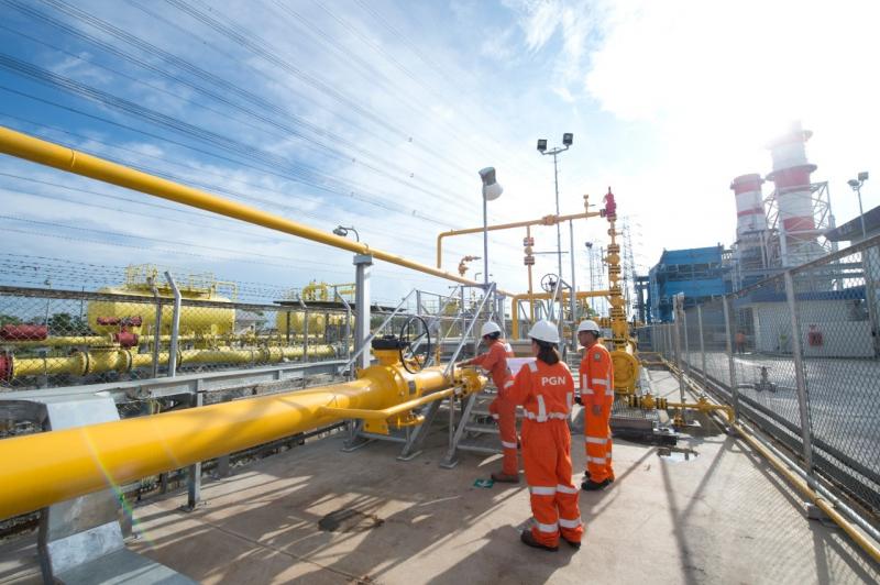 Photo of Demi Kemandirian Energi, 52 Pembangkit Ini Bakal Dipasok LNG