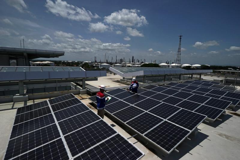 Photo of Gunakan Solar Cell, Gedung HO Kilang Minyak Cilacap Hemat Rp 57,7 Juta Per Tahun
