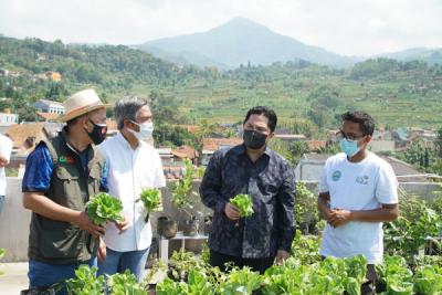 Photo of Menteri BUMN Puji Keberhasilan Program Electrifying Agriculture PLN