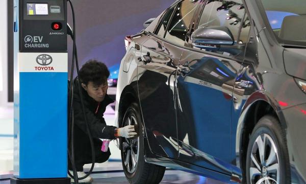 Empat BUMN Garap Perusahaan Baterai Kendaraan Listrik