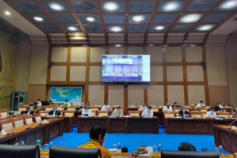 Menteri ESDM Sampaikan Asumsi Makro Tahun Anggaran 2021