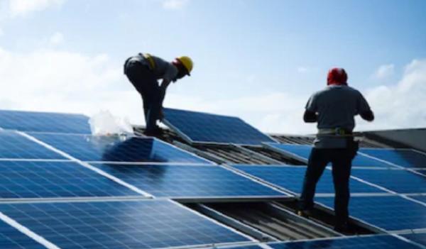 Pemerintah Targetkan 3,6 GW PLTS Atap di 2025