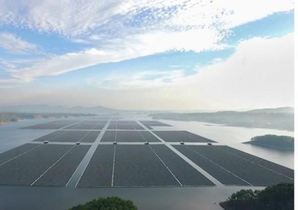 Peran PLTS Terapung Cirata dalam Pencapaian Zero Carbon