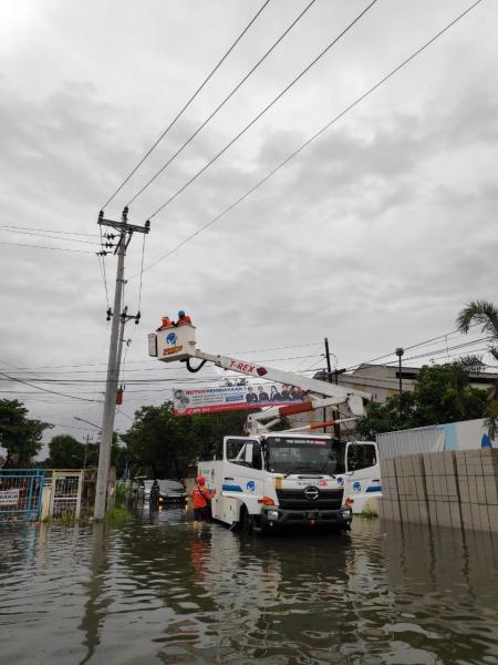 Semarang Banjir, PLN Siaga Amankan Sistem Kelistrikan