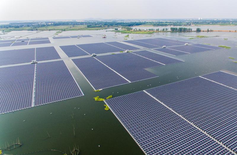 Sky Energy Siap Suplai Panel Surya ke Proyek PLTS Terapung Cirata