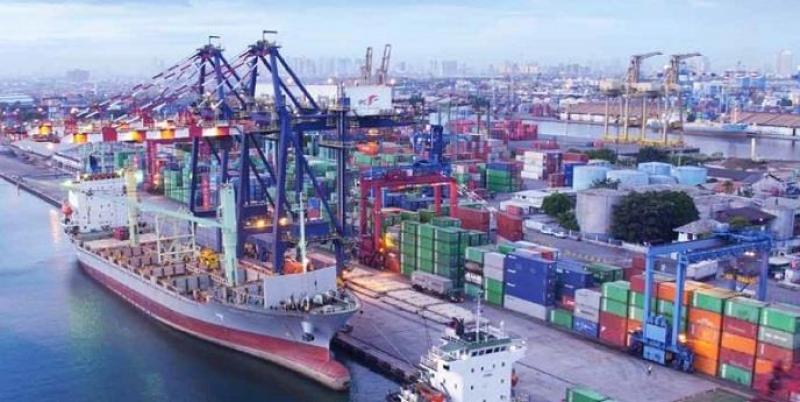 Photo of Peralatan Di Pelabuhan Akan Dikonversi Ke Listrik