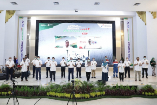 Photo of Pertamina Lakukan Lifting Perdana Pertalite Demi Tingkatkan Stok BBM