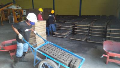 Photo of Produksi Batako FABA PLTU Melimpah, PLN Salurkan ke Masyarakat Ende