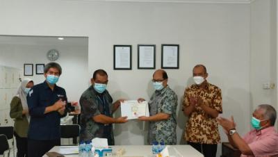 Photo of PT STT Serahkan Sertifikat Uji Distribusi dan Pembangkitan Tenaga Listrik