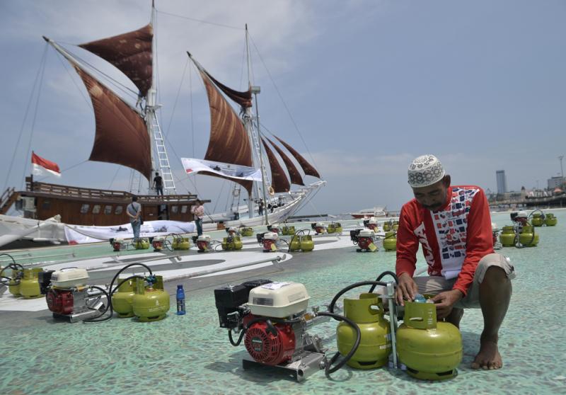 Photo of Ribuan Nelayan Sumsel Dapat Bantuan Konverter BBG