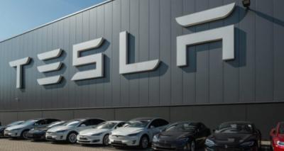 Photo of Tesla Bakal Bangun Power Bank Raksasa di Indonesia